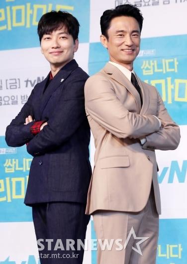 [★포토]이동휘-김병철 '점장과 사장의 불꽃케미'