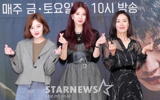 [★포토]황보라-배수지-문정희 '미녀 삼총사'