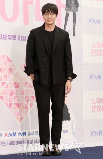[★포토]성시경 '살이 빠진듯한 비주얼'