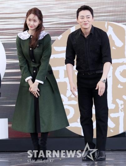 [★포토]영화 '엑시트'로 부산 찾은 윤아-조정석