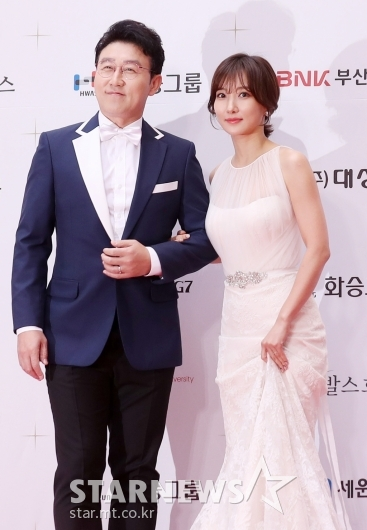 [★포토]김현욱-이인혜 '오늘의 진행 커플'