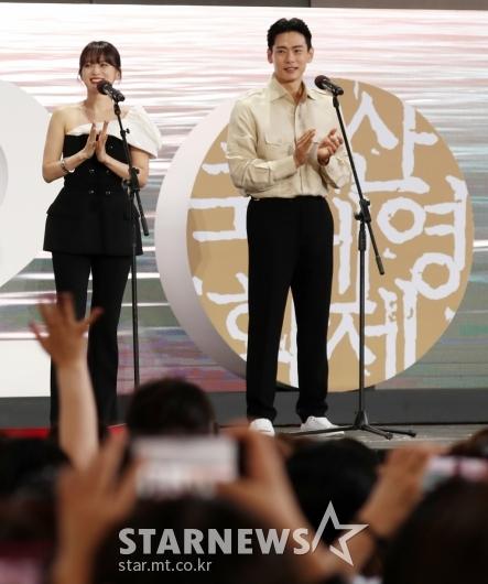 [★포토]천우희-유태오, 영화 '버티고'로 무대인사