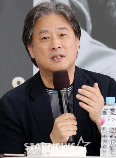 [★포토]관객과 가까이 만난 박찬욱 감독