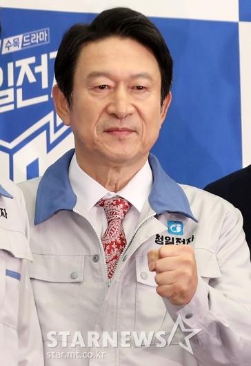 [★포토]김응수 '요즘 대세'