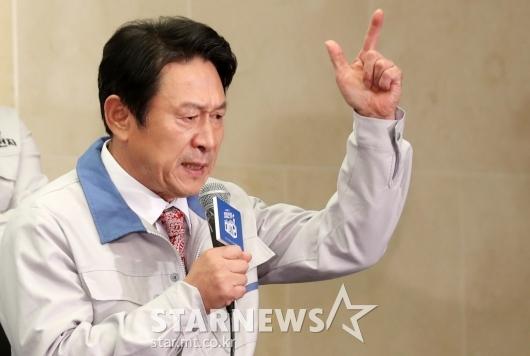 [★포토]김응수 '묻고 더블로 가'