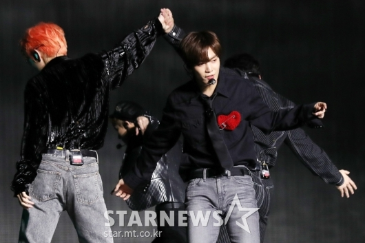 [★포토]JR '시작부터 멋짐 폭발'