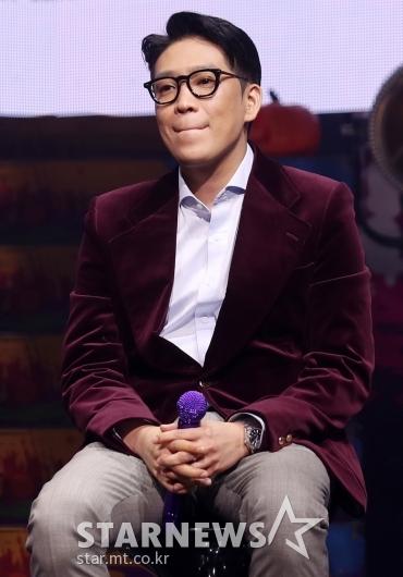 [★포토]MC몽 '생각이 많은 표정'