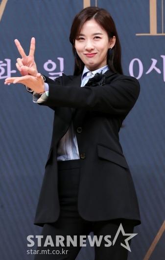 [★포토]이청아 'V 포즈의 정석'