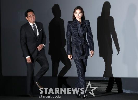 [★포토]조진웅-이하늬 '두 배우들의 블랙 시크'