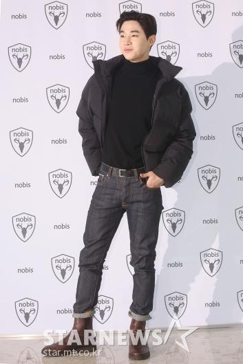 [★포토]헨리, 당당한 패션