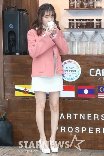 [★포토] 써니 '추운 날엔 따뜻한 커피'