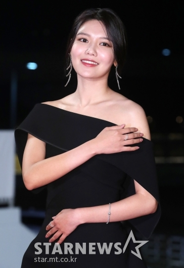 [★포토]최수영 '어깨 드러낸 드레스'