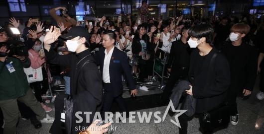 [★포토]스트레이키즈 '밤까지 뜨거운 인기'