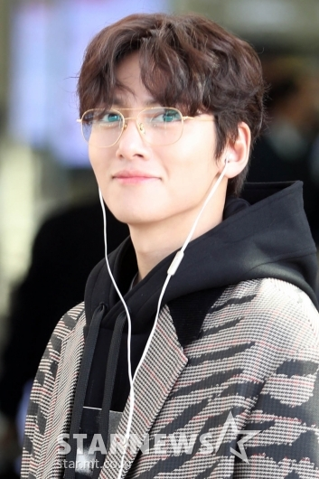 [★화보]지창욱 '아침햇살에 빛나는 조각미남'