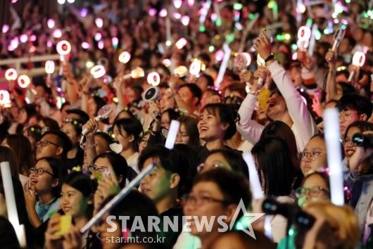 [★포토]K-POP 즐기는 베트남 관객들