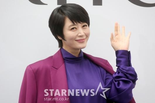 [★포토]김혜수 '여러분 안녕'
