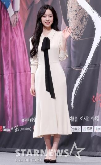 [★포토]진세연 '블랙 앤 화이트로 깔끔한 패션'