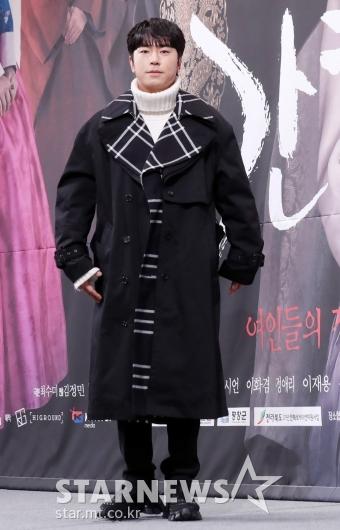 [★포토]이시언 '거의 패션쇼 의상'