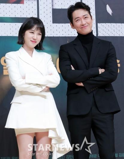 [★포토]박은빈-남궁민 '화이트&블랙 커플룩'