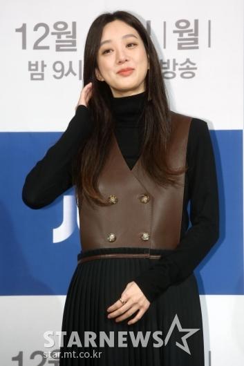 [★포토]정려원 '아름다운 머리 넘김'