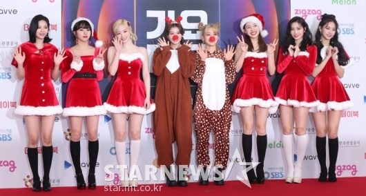 [★포토]트와이스 '너무 사랑스러운 산타 트둥이들'