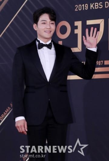 [★포토]김진우 '반가워요'