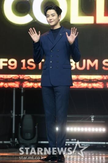[★포토]로운 '여심을 홀린 손 인사'
