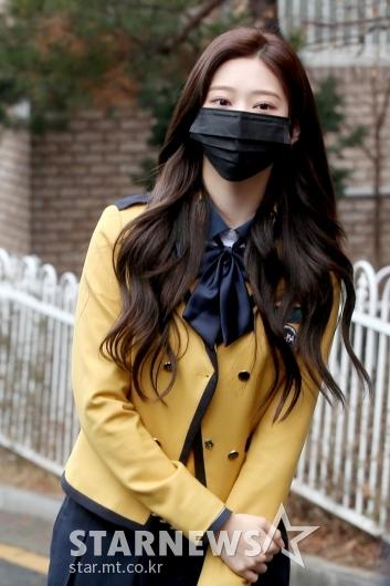 [★포토]아이즈원 민주 '가릴 수 없는 미모'
