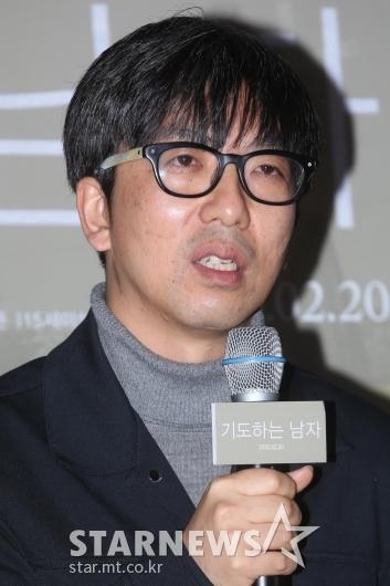 [★포토]답변하는 강동헌 감독