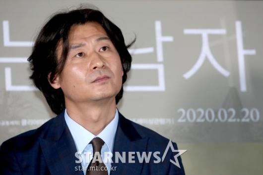 [★포토]생각에 빠진 남자 박혁권