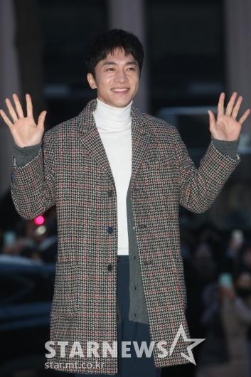 [★포토]김영민 '인사도 단정하게'