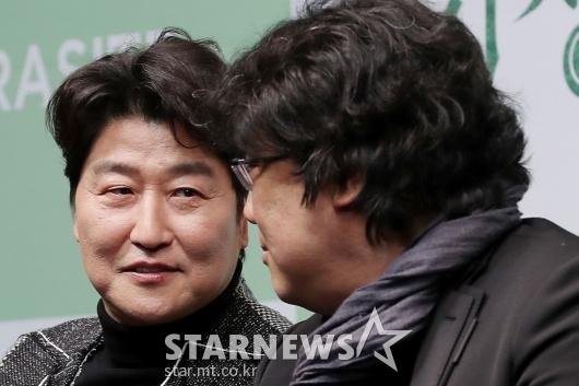 [★포토]대화 나누는 송강호-봉준호 감독