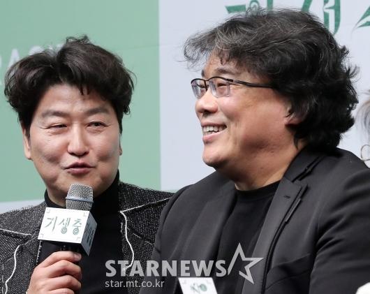 [★포토]송강호 '우리 봉감독님 대단해요'