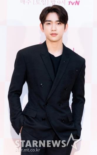 [★포토]박진영 '얼굴에 묻은 잘생김'
