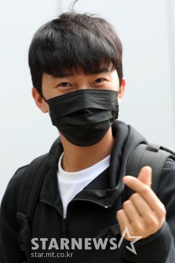[★포토]임영웅 '치명적인 하트'