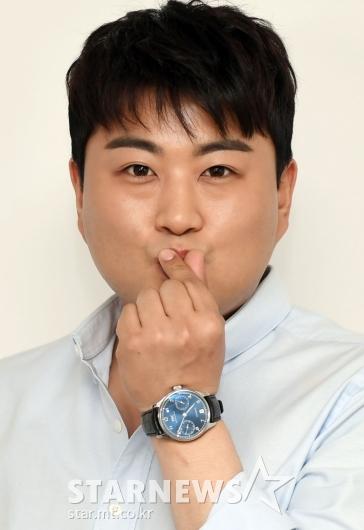 [★포토]김호중 '하트키스'