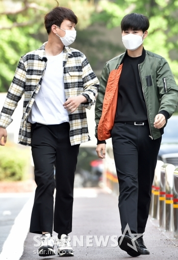 [★포토]이찬원-김희재 '발맞춰 걷는 단짝'