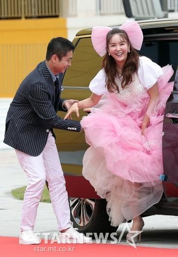 [★포토]장영란 '남편 에스코트 받으며 하차'