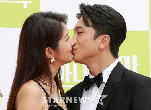 [★포토]김빈우 부부 '뽀뽀 쪽'