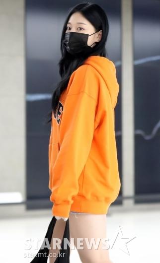 [★포토]이달소 현진 '하의실종 공항패션'