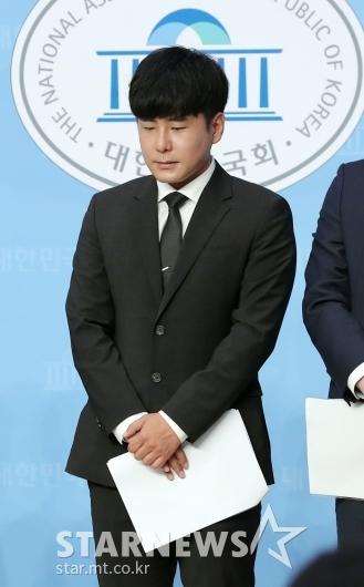 [★포토]'구하라법' 촉구 기자회견 참석한 구호인씨