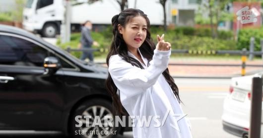 [★영상]유빈 '신나는 출근길!'