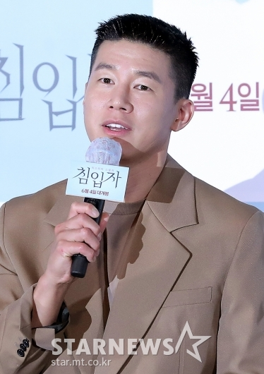 [★포토]김무열 '오랜만에 인사드려요'