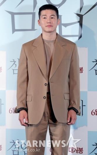 [★포토]김무열 '짧아진 헤어스타일'