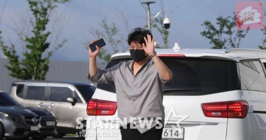 [★영상]김호중 '사랑의 콜센타 출근길!'