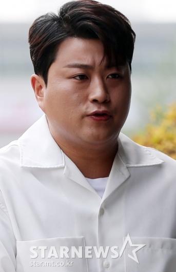 [★포토]김호중 '한층 선명해진 잘생김'