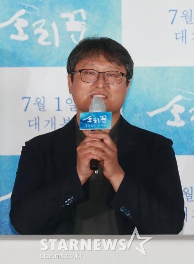 [★포토]답변하는 '소리꾼' 조정래 감독