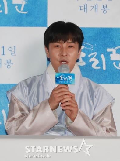 [★포토]김동완 '오랜만에 영화 출연했어요'