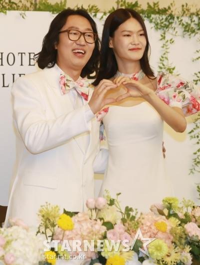 김경진-전수민 '행복하게 살겠습니다'[★포토]