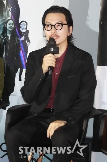 답변하는 '만신' 이동휘[★포토]